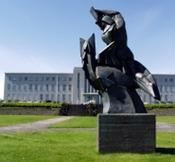 Að haga sér eins og stelpa: Stelpur í íslenskum prakkarabókum þá og nú